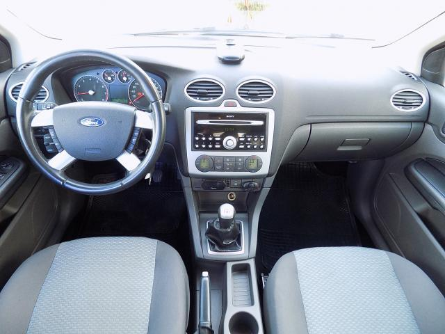 Ford Focus 1.6 Trend - 2006 - Gasolina