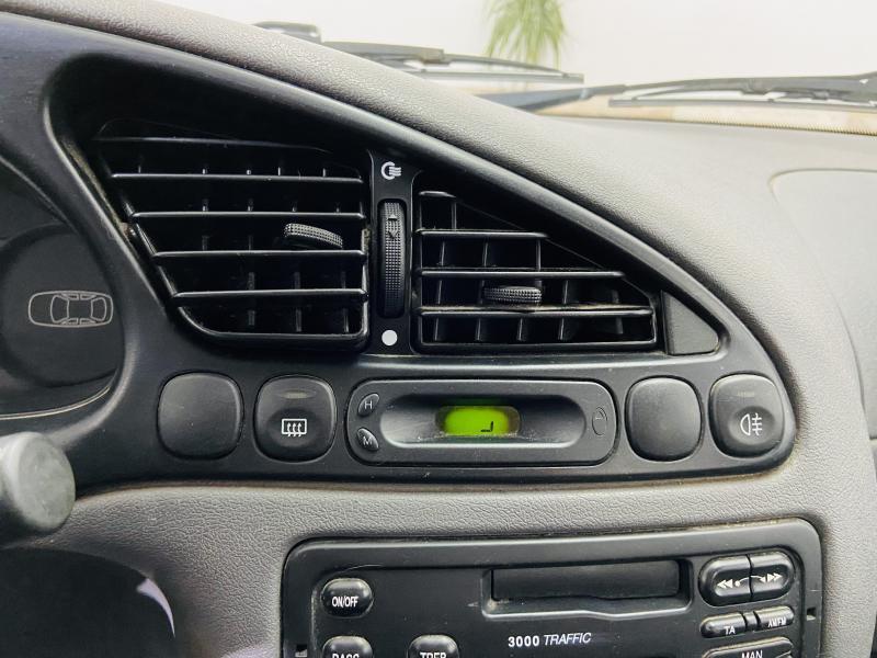 Ford Fiesta 1.3 - 1999 - Gasolina