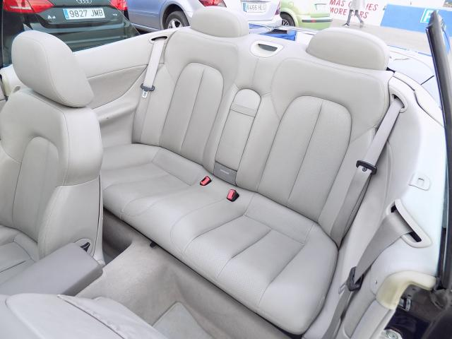 Mercedes-Benz Clase CLK - CLK 320 3.2 - C208 del año 2001 a la venta en Benissa, Alicante.