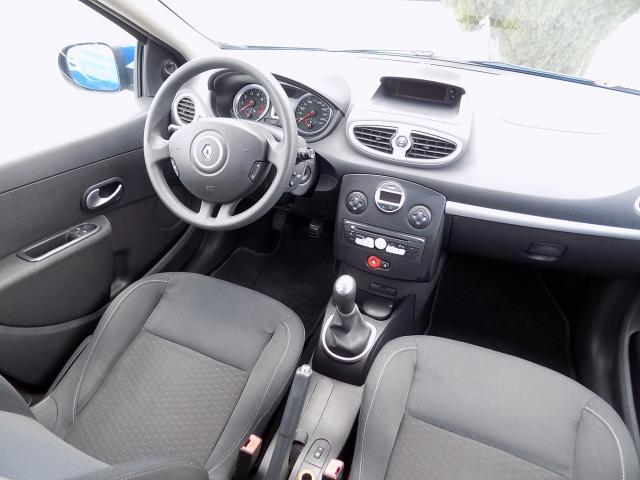 Renault Clio 1.2 Authentique - 2010 - Gasolina