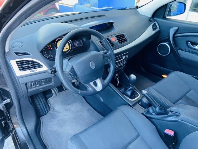 Renault Megane 1.6 Dynamique - 2009 - Gasolina