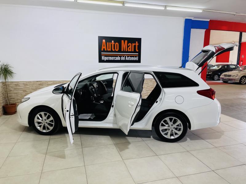 Toyota Auris Touring Sports 1.6 VVTi - 2014 - Gasolina